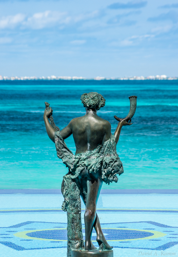 Pool Statue - Cancun, Mexico
